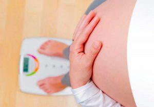 Беременная на весах